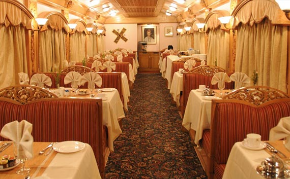 deccan odyssey luxury train tour package india